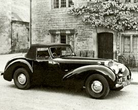 The Triumph 1800 roadster became the first British car with a steering column gear change and also featured a 'dickey seat' in the boot, the last car to be equipped with this feature.