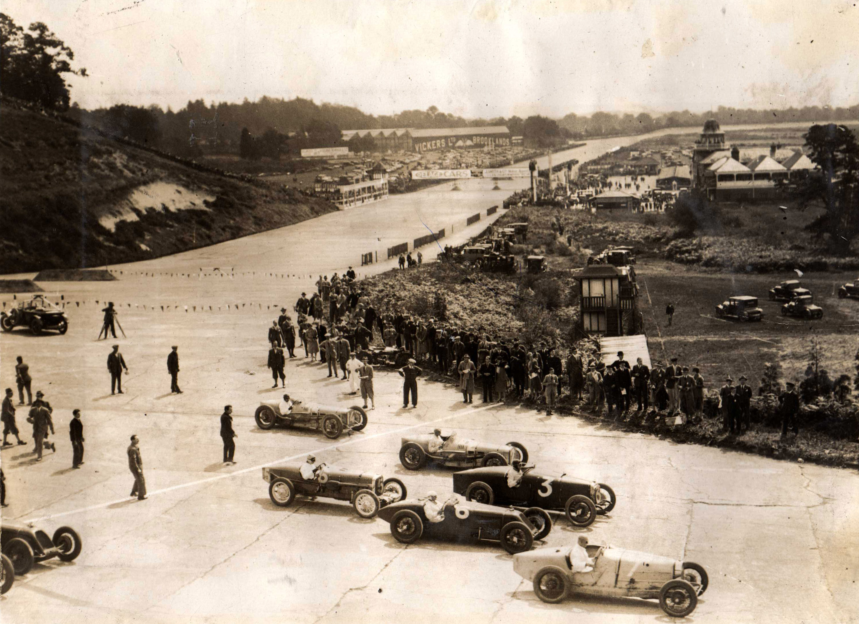 The first British Grand Prix was held at the Brooklands circuit , organised by Henry Seagrave. However, it was won by the French team of Louis Wagner and Robert Senechal driving a Delage 155B.