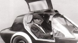 gullwing-prototype-with-jem-marsh-frank-costin-mr1