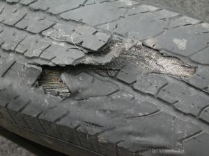 Tire_failure_-_steel_ply