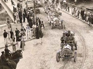 The Itala's arrival in Paris after the 17,000km Peking to Paris race in 1907