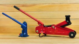 How-To-Use-A-Hydraulic-Jack - Edited
